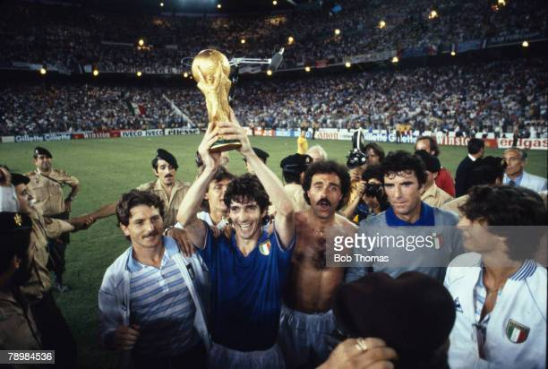Sport Fottball1982 World Cup Final Madrid Spain 11th July Italy 3 v West Germany 1 Italy's Paolo Rossi holds aloft the World Cup trophy on their lap...