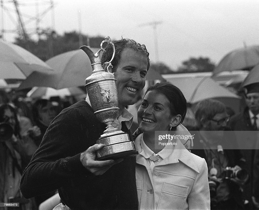 Sport, Golf, British Open Championship, Troon, Scotland, 16th July 1973, Tom Weiskopf (USA) and wife Jeanne proudly pose with the Claret Jug trophy after Weiskopf won the tournament with a score for the four rounds of 276