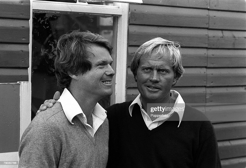 Sport, Golf, British Open Championship, Turnbury, Scotland, 1977, The Open Champion Tom Watson (left) is congratulated by fellow American Jack Nicklaus