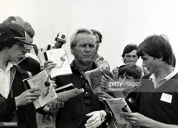 15th July 1981 110th British Open Golf Championship at Sandwich Kent American golfing legend Arnold Palmer beseiged by young autograph hunters prior...