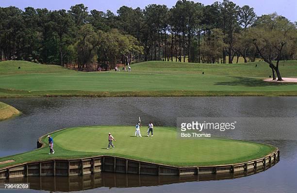 circa 1990 Sawgrass Golf Club Ponte Vedra Florida USA showing the 17th Hole the 'Island Hole'