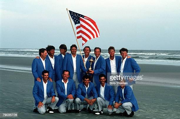 Sport Golf The Ryder Cup Kiawah Island South Carolina September 1991 USA 14 1/2 v Europe 13 1/2 The victorious USA team pose together with the Ryder...