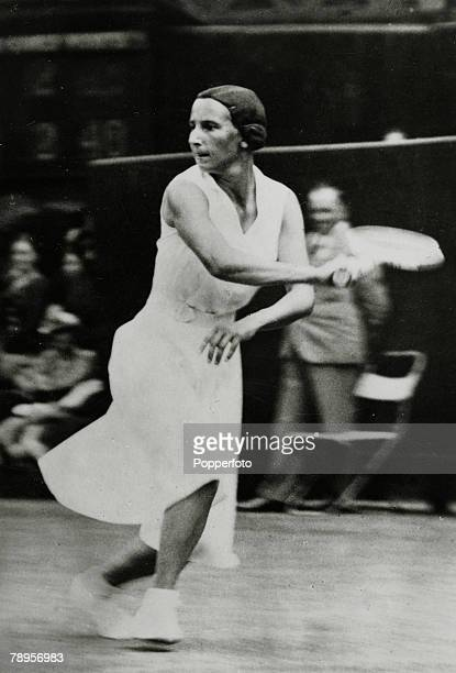 circa 1935 Dorothy Round Great Britain Wimbledon Ladies Singles Champion 1937