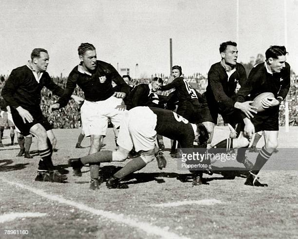 17th August 1938 Tour Match Ellis Park Johannesburg South Africa 26 v British Lions 12 South Africa break away with the ball
