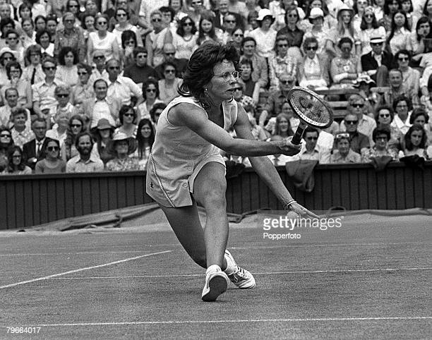 Sport Tennis All England Lawn Tennis Championships Ladies Singles 26th June 1973 USA's Billie JeanKing during her match with Luci Bassi of Italy
