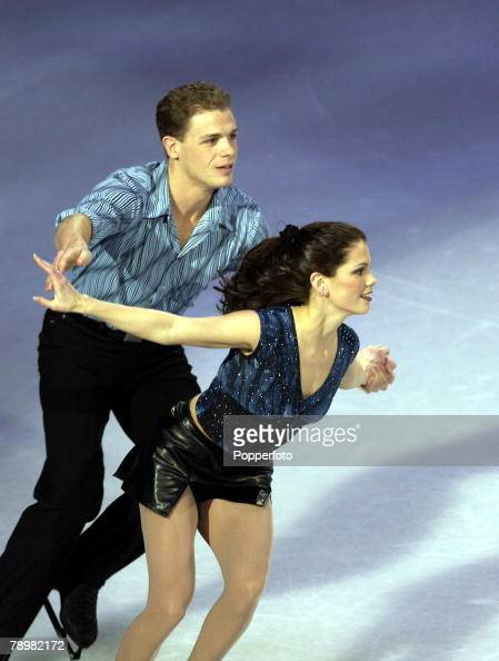 Sport Winter Olympic Games Salt Lake City Utah USA 22nd February 2002 Ice Skating Exhibition Pairs Jamie Sale David Pettetier Canada Gold medal...