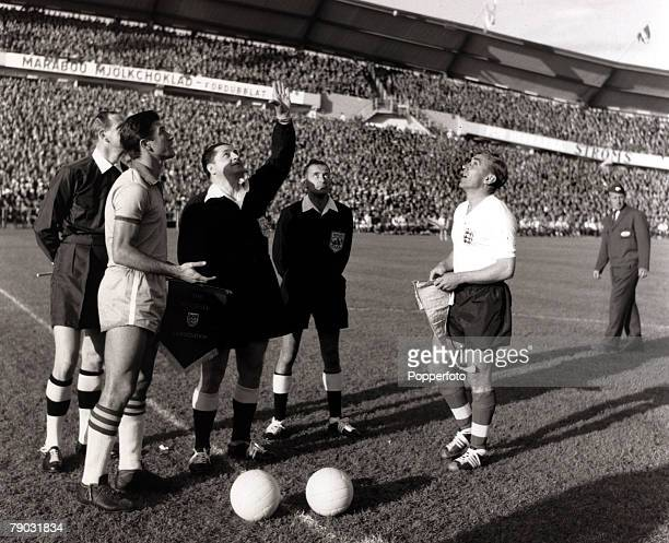 Sport/Football 1958 World Cup Finals Gothenburg Sweden 11th June 1958 Group Four Brazil 0 v England 0 Rival captains Bellini of Brazil and England's...