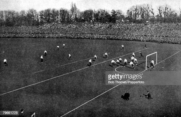 Sport/Football Crystal Palace London 20th April 1901 FA Cup Final Tottenham Hotspur 2 v Sheffield United 2 The scene shows a Tottenham goal in front...