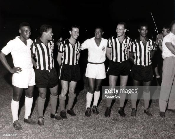 Sport/Football in South America Brazilian international players in opposition in a club game between Santos and Botafogo Players LR Pele of Santos...