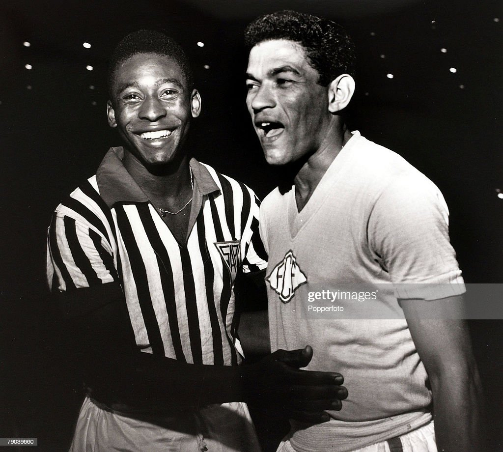 Sport Football in South America 1963 Pele in his club colours of