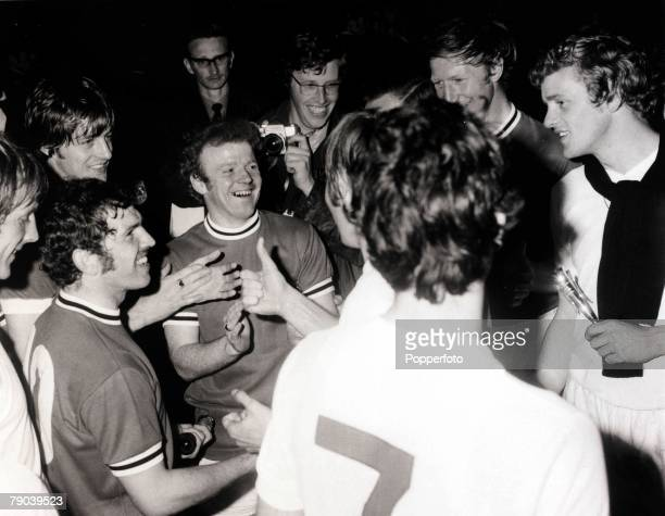 Sport/Football InterCities Fairs Cup Final Second Leg Elland Road England 4th June 1971 Leeds United 1 v Juventus 1 Leeds United captain Billy...
