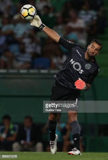 Sporting CP goalkeeper Rui Patricio from Portugal in action during the Primeira Liga match between Sporting CP and Vitoria Setubal at Estadio Jose...
