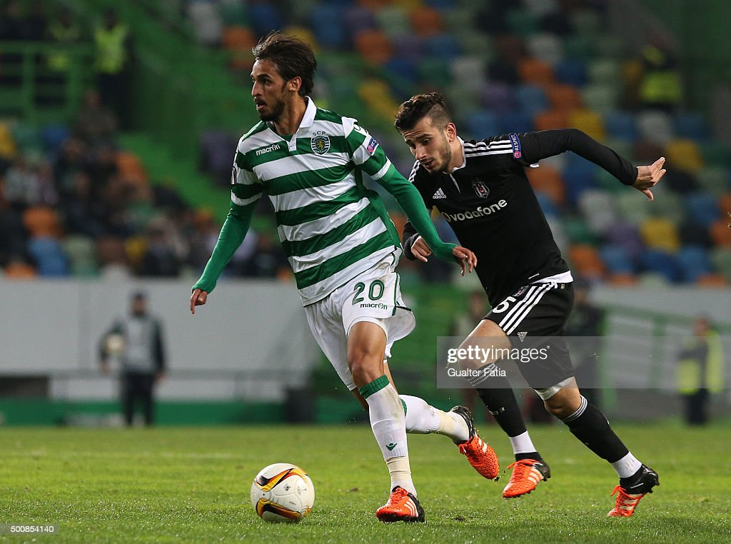 Sporting CPO's forward Bryan Ruiz with Besiktas JKO's midfielder Jose Sosa in action during the UEFA Europa League match between Sporting CP and...