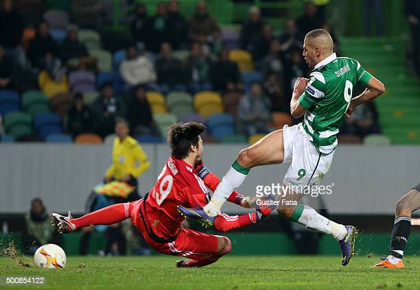 Sporting CPO's forward Islam Slimani scores goal during the UEFA Europa League match between Sporting CP and Besiktas JK at Estadio Jose de Alvalade...