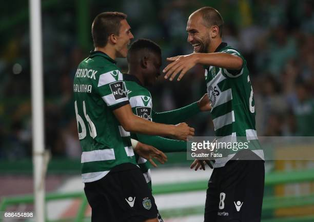Sporting CP's forward Bas Dost from Holland celebrates with teammates after scoring a goal during the Primeira Liga match between Sporting CP and GD...