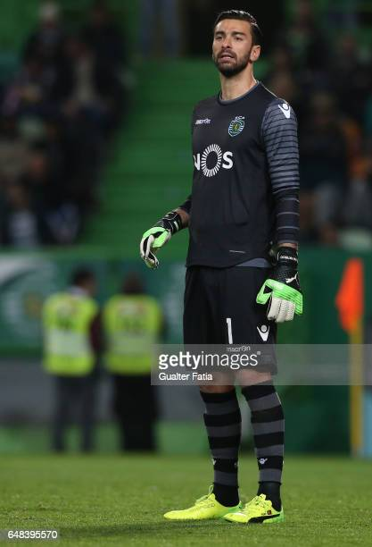 Sporting CP's goalkeeper Rui Patricio from Portugal in action during the Primeira Liga match between Sporting CP and Vitoria Guimaraes at Estadio...