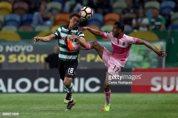 Sporting CP's midfielder Francisco Geraldes from Portugal vies with Chaves's midfielder Hamdou Elhouni from Libia during the Sporting CP v GD Chaves...
