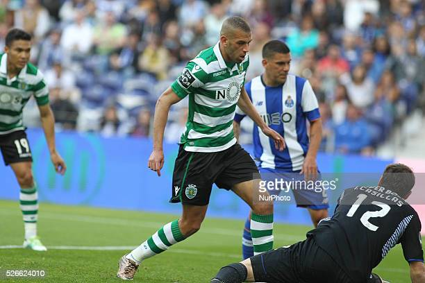 Sporting's Algerian forward Islam Slimani shooting for goal during the Premier League 2015/16 match between FC Porto and Sporting CP at Drag��o...