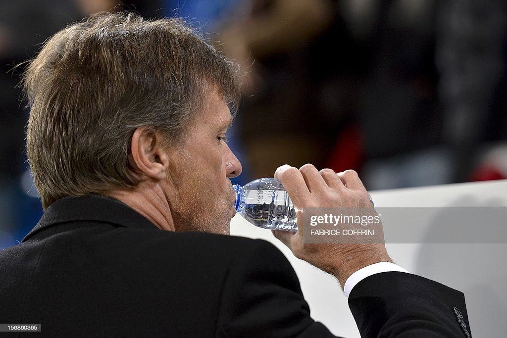 Sporting's Belgian head coach Frank Vercauteren drinks prior to his Europa League UEFA Group G football match between FC Basel and Sporting Clube de Portugal on November 22, 2012, in Basel.