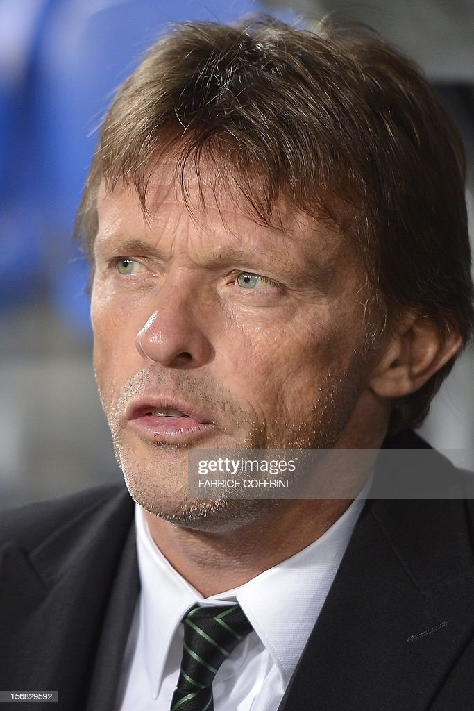 Sporting's Belgian head coach Frank Vercauteren looks on prior to a Europa League UEFA Europa League Group G football match between FC Basel and Sporting Clube de Portugal on November 22, 2012 in Basel.