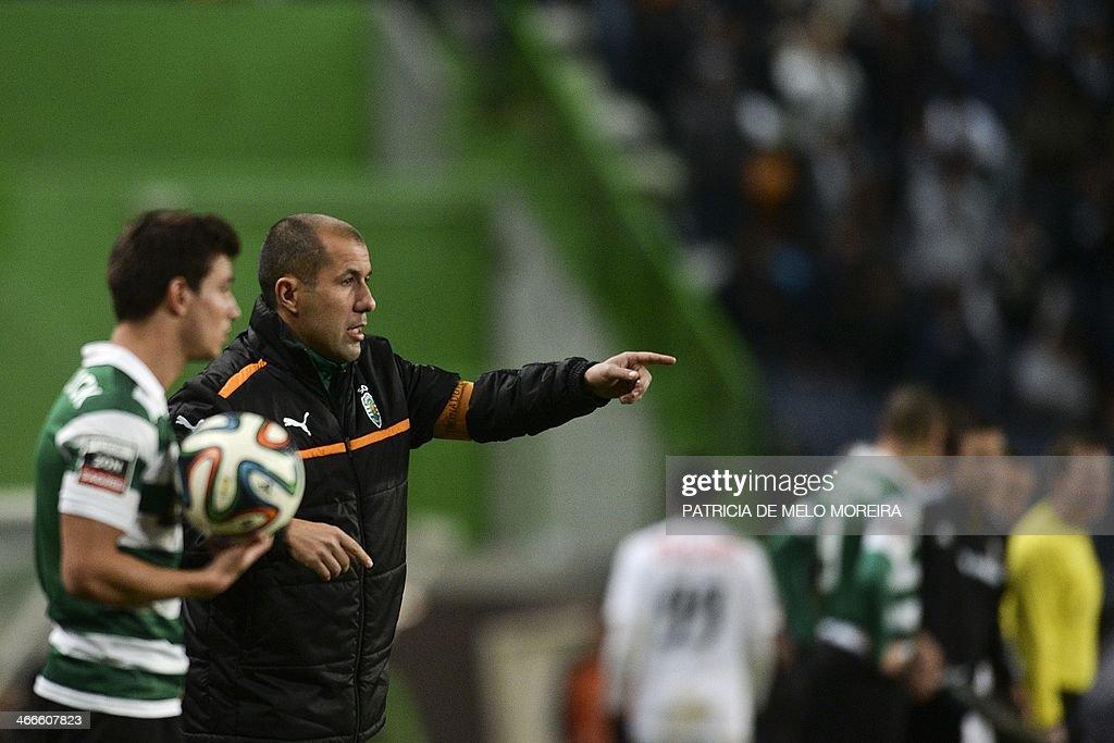 Sporting's Belgian head coach Leonardo Jardim (R) gestures during the Portuguese league football match Sporting vs Academica at the Alvalade stadium on February 2, 2014. AFP PHOTO/ PATRICIA DE MELO MOREIRA