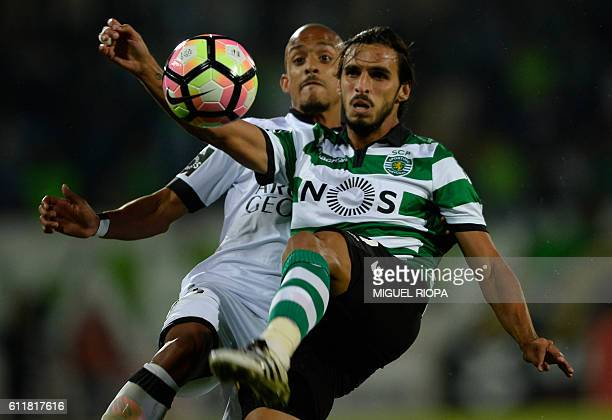 Sporting's Costa Rican forward Bryan Ruiz vies with Vitoria Guimaraes' defender Bruno Gaspar during the Portuguese league football match Vitoria FC...
