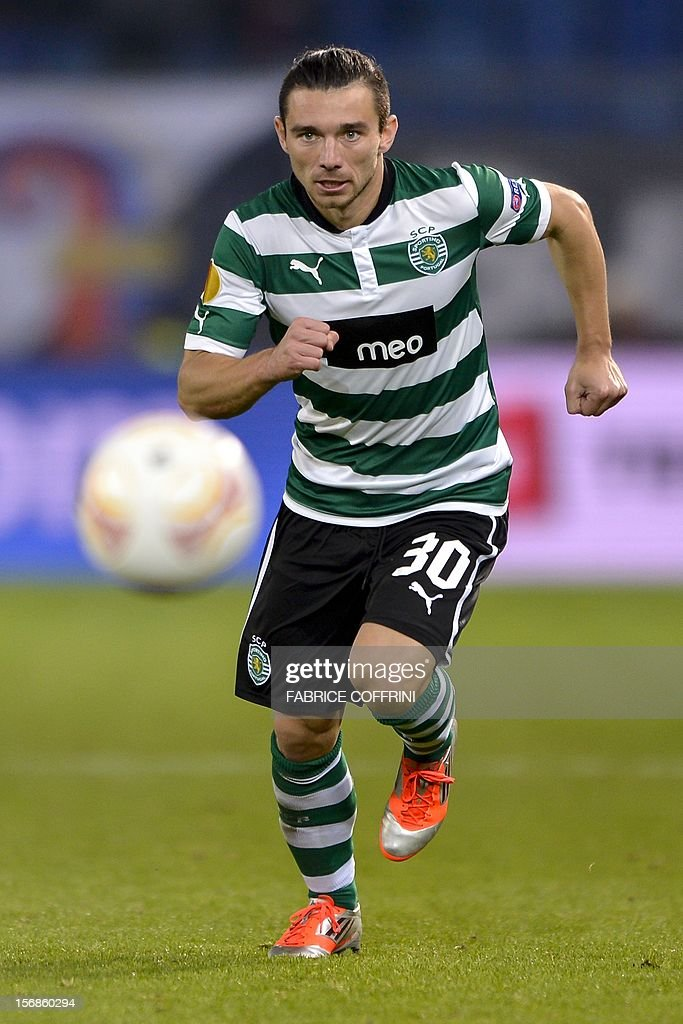 Sporting's Croatian midfielder Danijel Pranjic controls the ball during his Europa League UEFA Group G football match between FC Basel and Sporting Clube de Portugal on November 22, 2012, in Basel.