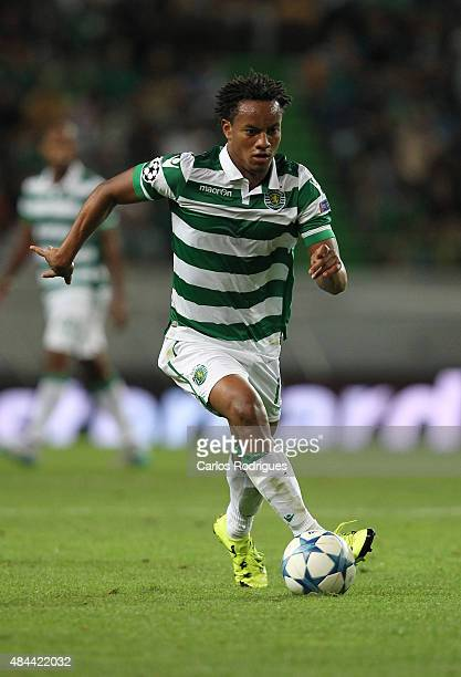 Sporting's forward Andre Carrillo during the UEFA Champions League qualifying round playoff first leg match between Sporting CP and CSKA Moscow at...