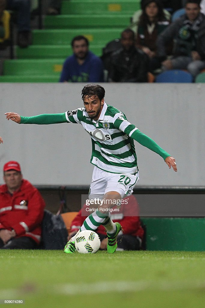 Sporting's forward <a gi-track='captionPersonalityLinkClicked' href=/galleries/search?phrase=Bryan+Ruiz&family=editorial&specificpeople=714489 ng-click='$event.stopPropagation()'>Bryan Ruiz</a> during the match between Sporting CP and Rio Ave FC for the Portuguese Primeira Liga at Jose Alvalade Stadium on February 08, 2016 in Lisbon, Portugal.