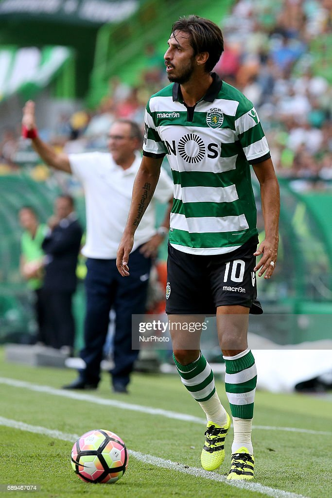 Sporting's forward Bryan Ruiz from Costa Rica in action during the Premier League 2016/17 match between Sporting CP vs Maritimo at Estádio Jose...