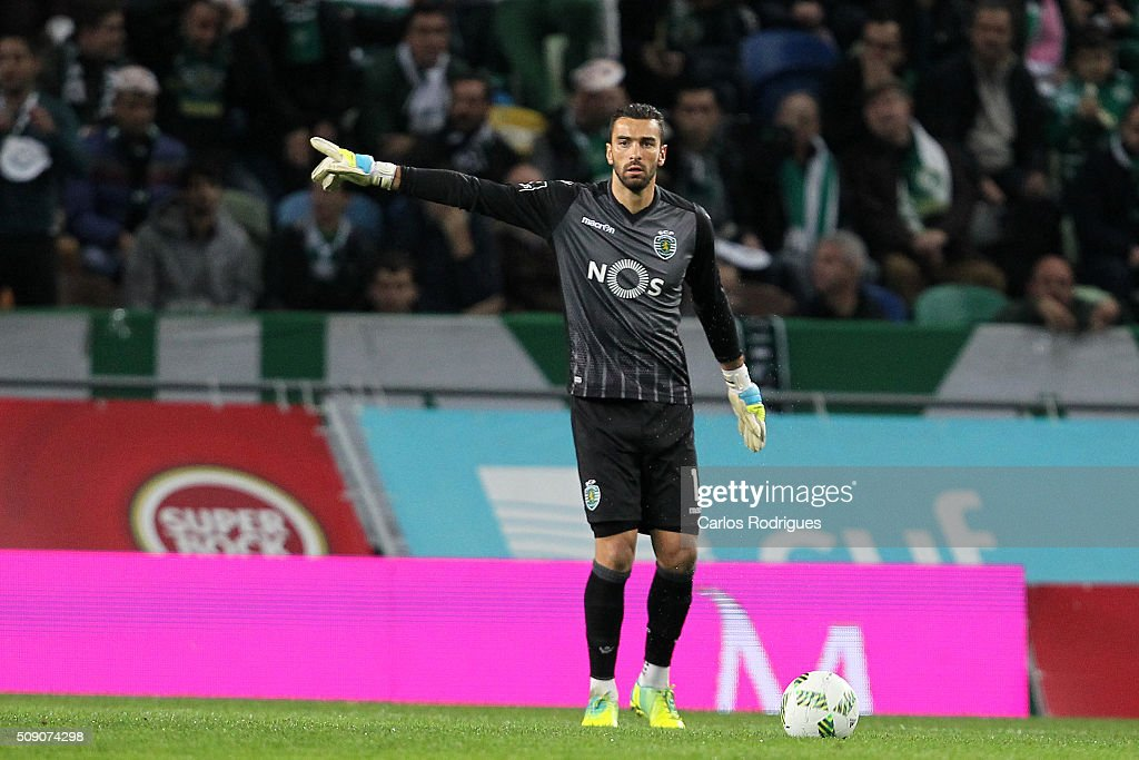 Sporting's goalkeeper <a gi-track='captionPersonalityLinkClicked' href=/galleries/search?phrase=Rui+Patricio&family=editorial&specificpeople=1728312 ng-click='$event.stopPropagation()'>Rui Patricio</a> during the match between Sporting CP and Rio Ave FC for the Portuguese Primeira Liga at Jose Alvalade Stadium on February 08, 2016 in Lisbon, Portugal.