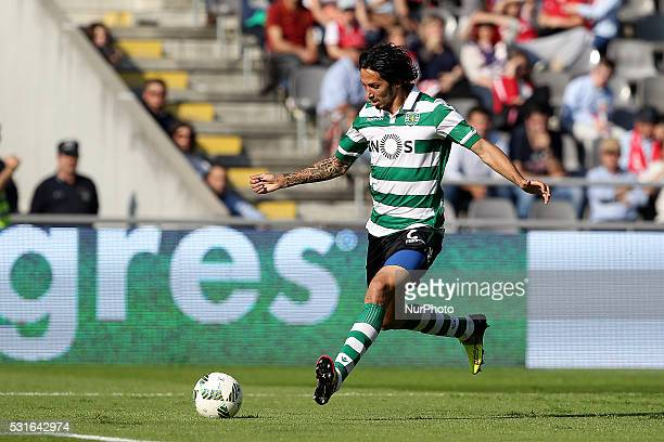 Sporting's Italian defender Ezequiel Schelotto in action during the Premier League 2015/16 match between SC Braga and Sporting CP at AXA Stadium in...
