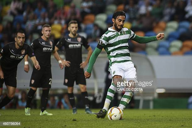 Sporting's Italian midfielder Alberto Aquilani scores a penalty kick during the Europa League football match Sporting Clube de Portugal vs KF...