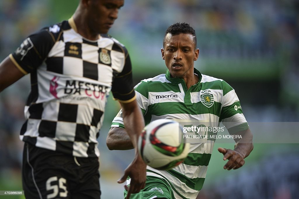 Sporting's midfielder Luis Carlos da Cunha '<a gi-track='captionPersonalityLinkClicked' href=/galleries/search?phrase=Nani+-+Soccer+Player&family=editorial&specificpeople=11510994 ng-click='$event.stopPropagation()'>Nani</a>' (R) vies with Boavista's Honduran defender <a gi-track='captionPersonalityLinkClicked' href=/galleries/search?phrase=Brayan+Beckeles&family=editorial&specificpeople=7834358 ng-click='$event.stopPropagation()'>Brayan Beckeles</a> during the Portuguese league football match Sporting CP vs Boavista FC at the Jose Alvalade stadium in Lisbon on April 19, 2015. AFP PHOTO / PATRICIA DE MELO MOREIRA