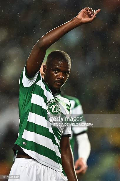 Sporting's midfielder William de Carvalho gestures during the Portuguese league football match Sporting CP vs Vitoria Setubal at the Jose Alvalade...
