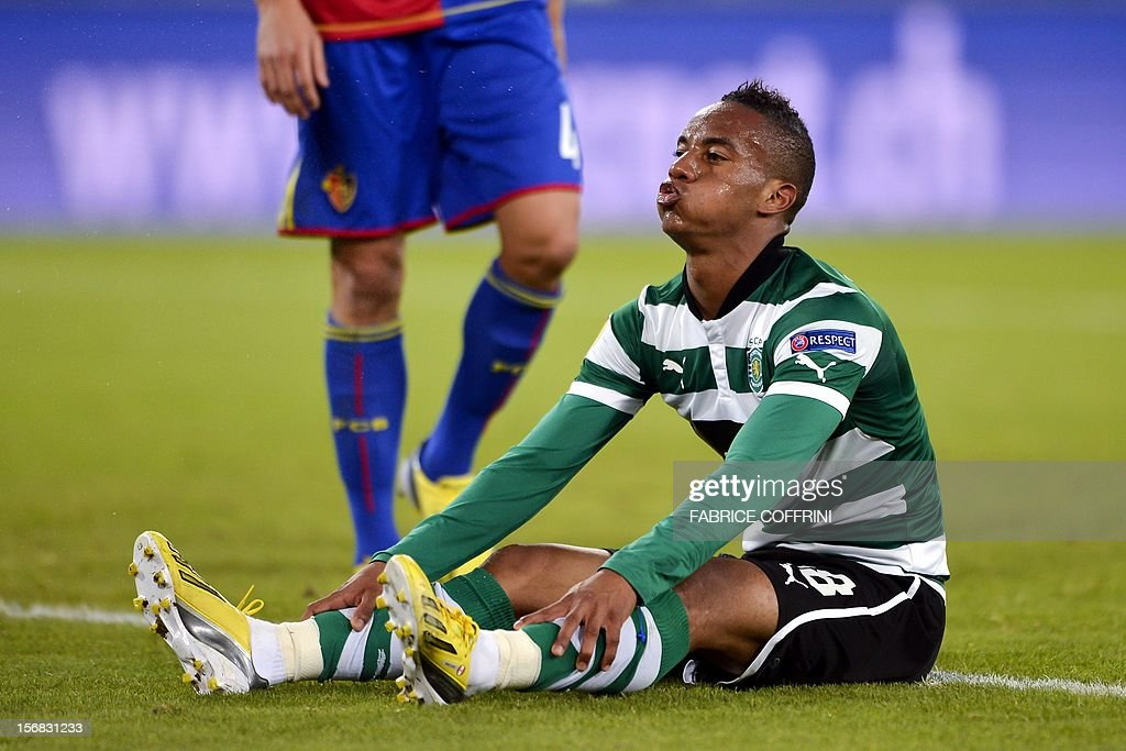 Sporting's Peruvian forward Andre Carrillo reacts after missing a goal during the Europa League UEFA Group G football match between FC Basel and Sporting Clube de Portugal on November 22, 2012, in Basel. AFP PHOTO / FABRICE COFFRINI