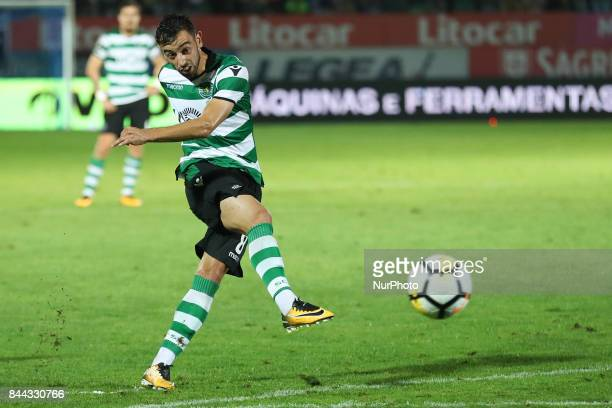 Sporting's Portuguese fmidfielder Bruno Fernandes in action during the Premier League 2017/18 match between CD Feirense and Sporting CP at Marcolino...