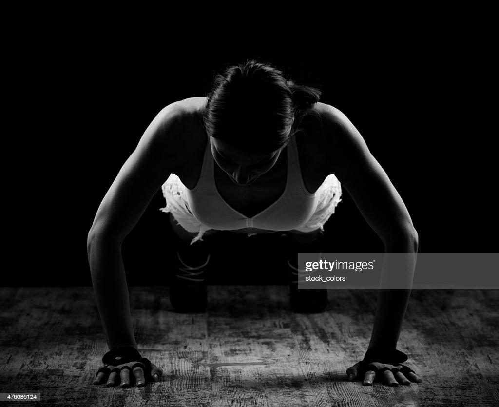sportive doing pushups
