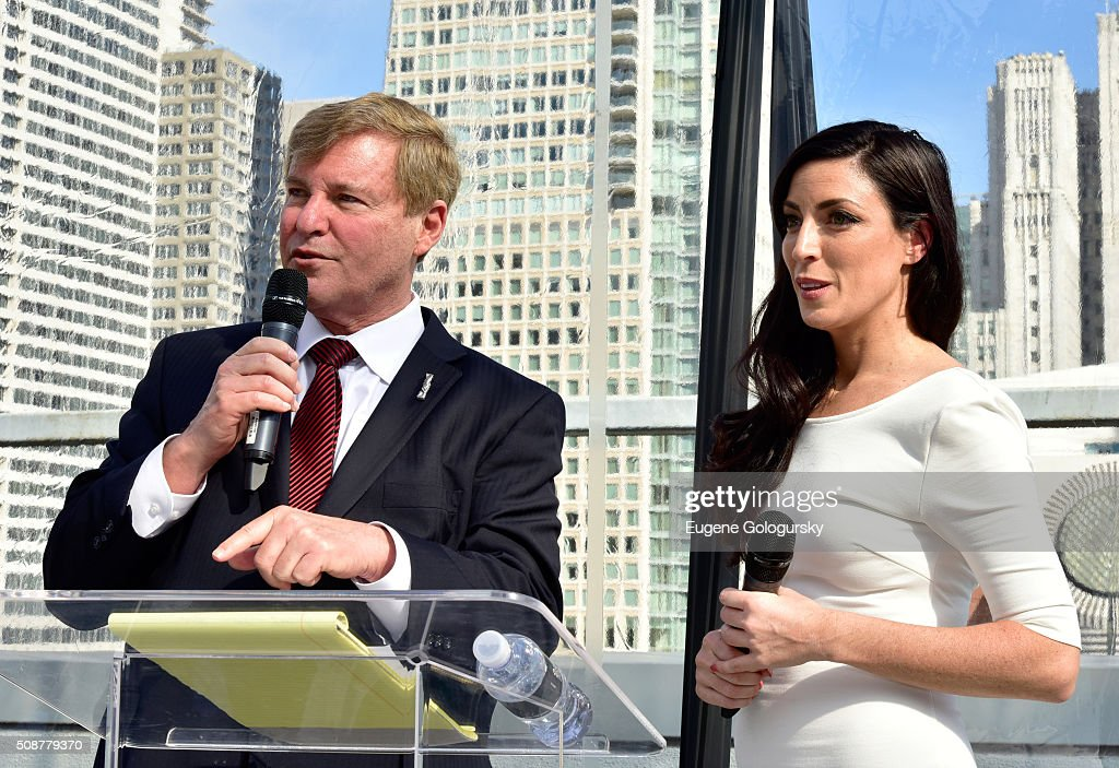 Sports agent <a gi-track='captionPersonalityLinkClicked' href=/galleries/search?phrase=Leigh+Steinberg&family=editorial&specificpeople=221448 ng-click='$event.stopPropagation()'>Leigh Steinberg</a> and Nicole Fisher speak during the 29th Annual <a gi-track='captionPersonalityLinkClicked' href=/galleries/search?phrase=Leigh+Steinberg&family=editorial&specificpeople=221448 ng-click='$event.stopPropagation()'>Leigh Steinberg</a> Super Bowl Party on February 6, 2016 in San Francisco, California.