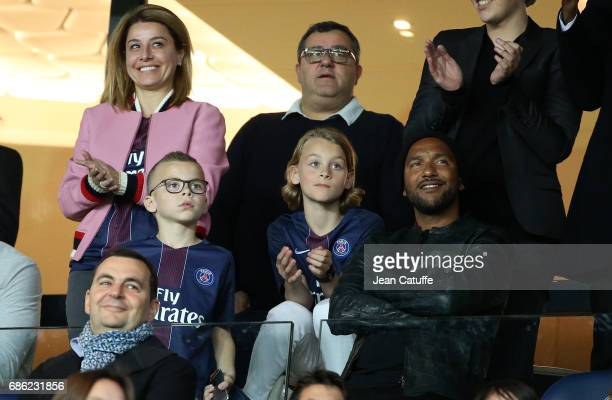 Sports agent Mino Raiola above him Zlatan's sons Vincent Ibrahimovic and Maximilian Ibrahimovic Olivier Dacourt attend the French League 1 match...
