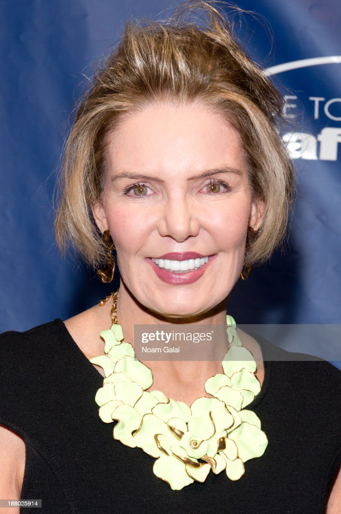 Sports broadcaster Lesley Visser attends the 11th Anniversary Joe Torre Safe At Home Foundation Gala at Pier Sixty at Chelsea Piers on November 14, 2013 in New York City.