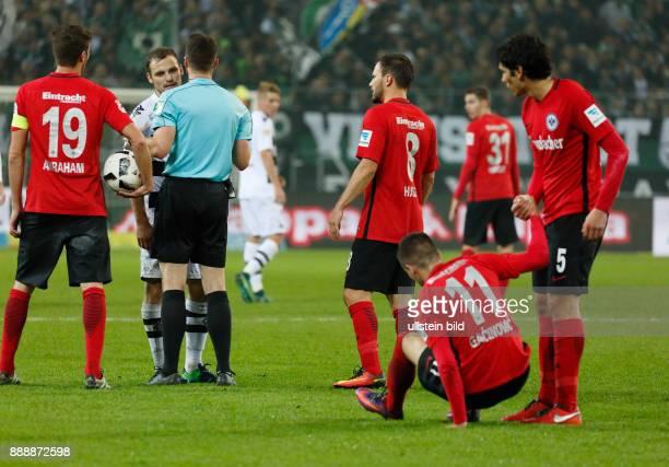 sports football Bundesliga 2016/2017 Borussia Moenchengladbach versus Eintracht Frankfurt 00 Stadium Borussia Park discussion fltr team captain David...