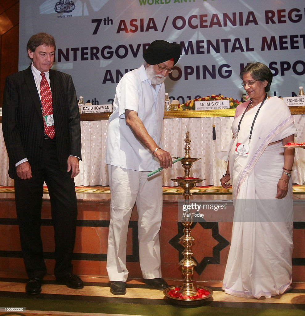 Sports Minister MS Gill with WADA(World Anti-Doping Agency) Director General David Howman during the 7th Asia / Oceania Region Inter-governmental meeting on anti-doping in sport, in New Delhi on May 24, 2010.