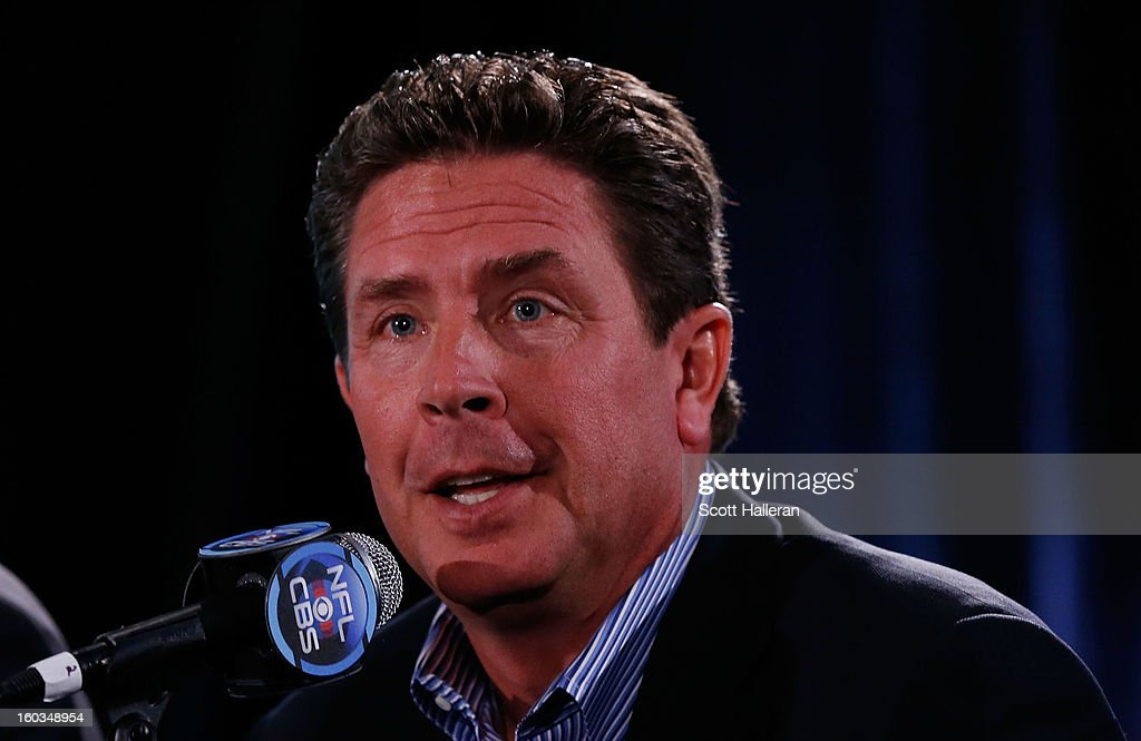Sports NFL analyst <a gi-track='captionPersonalityLinkClicked' href=/galleries/search?phrase=Dan+Marino&family=editorial&specificpeople=203298 ng-click='$event.stopPropagation()'>Dan Marino</a> speaks with the media at a Super Bowl XLVII Broadcasters Press Conference at the New Orleans Convention Center on January 29, 2013 in New Orleans, Louisiana.