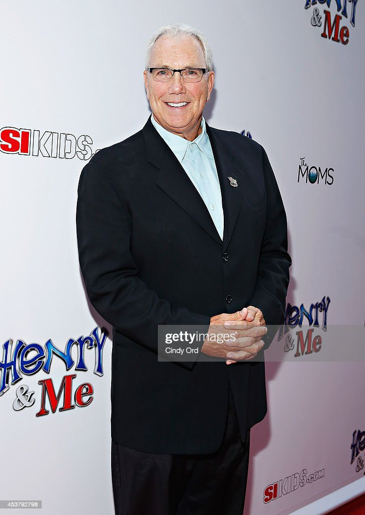 Sportscaster Scott Clark attends the 'Henry & Me' New York Premiere at Ziegfeld Theatre on August 18, 2014 in New York City.