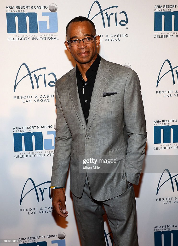 ESPN sportscaster Stuart Scott arrives at the 13th annual Michael Jordan Celebrity Invitational gala at the ARIA Resort & Casino at CityCenter on April 4, 2014 in Las Vegas, Nevada.