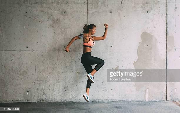 Sportlerin, springen