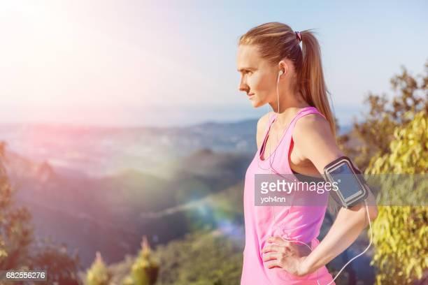 Femme déterminée sportive