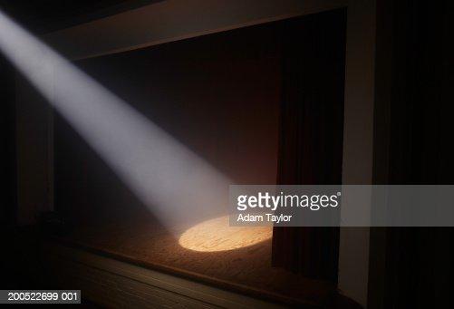 Spotlight on empty stage : Stock-Foto