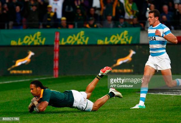 Springboks winger Courtnall Skosan scores a try during the International Rugby Test match between Argentina and South Africa at The Nelson Mandela...